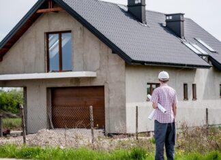 ile zarabia budowlaniec